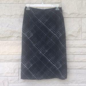 Express black and gray skirt Sz 3/4